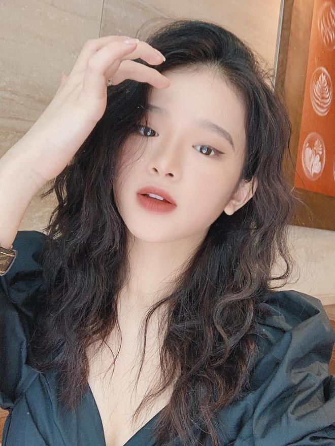 Linh Ka lần đầu tâm sự về chuyện một mình khăn gói vào Sài Gòn ở tuổi 17, tiết lộ bị stylist đoàn quay hại trông già chát - Hình 2