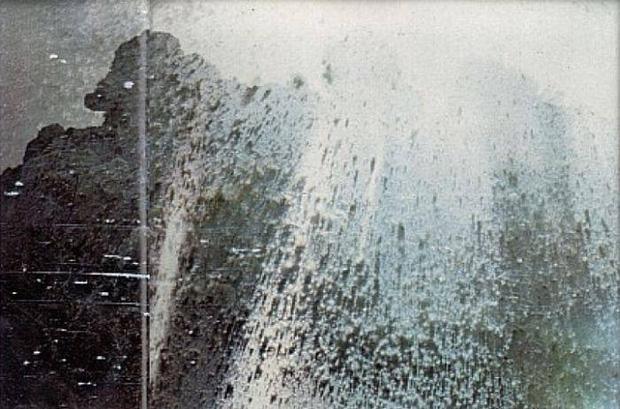 Loạt ảnh cuối cùng trước núi lửa: Câu chuyện về 2 nhiếp ảnh gia hi sinh cả tính mạng để bảo vệ những thước film quý báu của khoa học và nghệ thuật - Hình 2