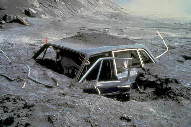 Loạt ảnh cuối cùng trước núi lửa: Câu chuyện về 2 nhiếp ảnh gia hi sinh cả tính mạng để bảo vệ những thước film quý báu của khoa học và nghệ thuật - Hình 5