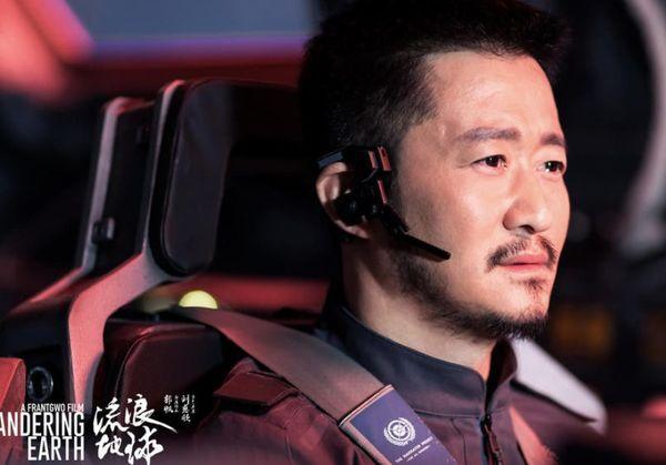 Lộc Hàm bị chỉ trích khi vào vai quân nhân lại để tóc như đi thi idol trong Pháo đài Thượng Hải - Hình 8