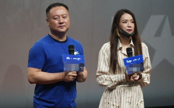 Lộc Hàm bị chỉ trích khi vào vai quân nhân lại để tóc như đi thi idol trong Pháo đài Thượng Hải - Hình 4