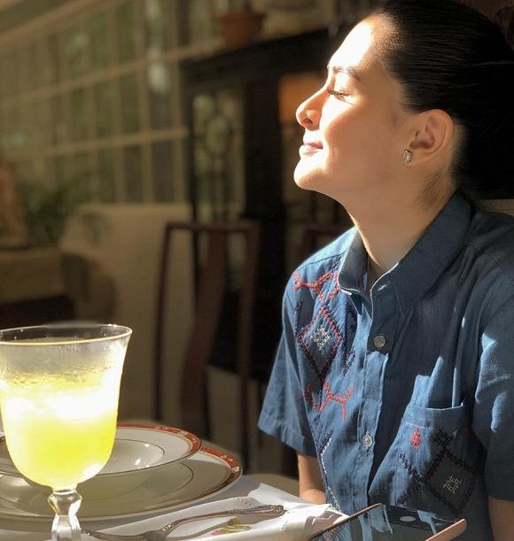 Ngôn tình là đây chứ đâu: Tia nắng khẽ chạm vào gương mặt xinh đẹp của Marian Rivera cũng khiến ông xã rung động - Hình 2