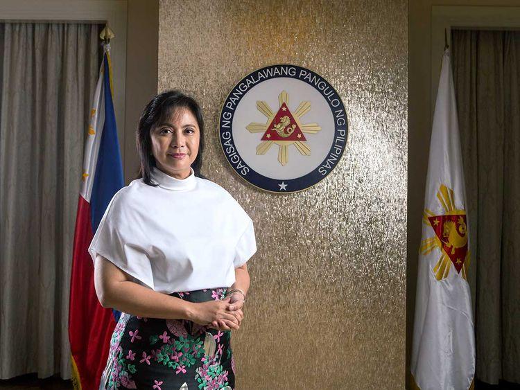 Phó Tổng thống Philippines: Dân lo Tổng thống bán mình cho Trung Quốc - Hình 1