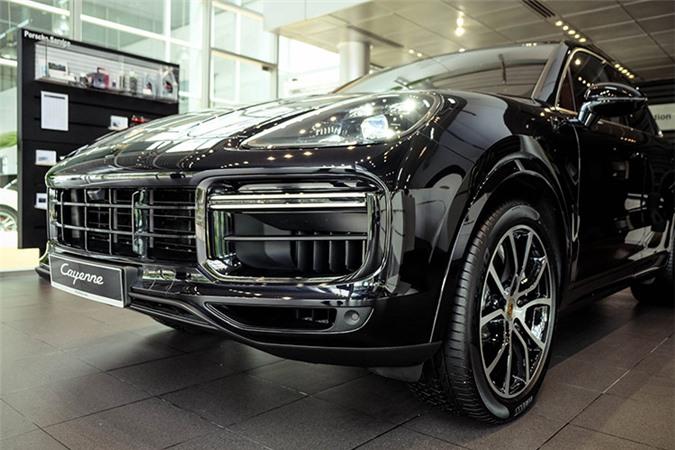 Porsche Cayenne Turbo mới hơn 9 tỷ đồng tại Việt Nam - Hình 9