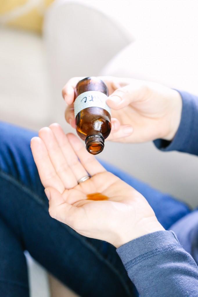 Làn da của bạn sẽ được hồi sinh sau mỗi đêm bôi viên thuốc nhà nào cũng có - Hình 2