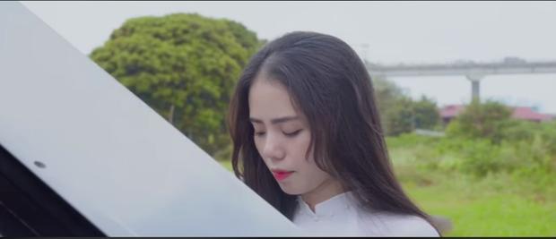Thánh nữ cover Hương Ly đã tung teaser tinh khôi chuẩn bị debut, một loạt tên tuổi nhạc Việt nên dè chừng? - Hình 1
