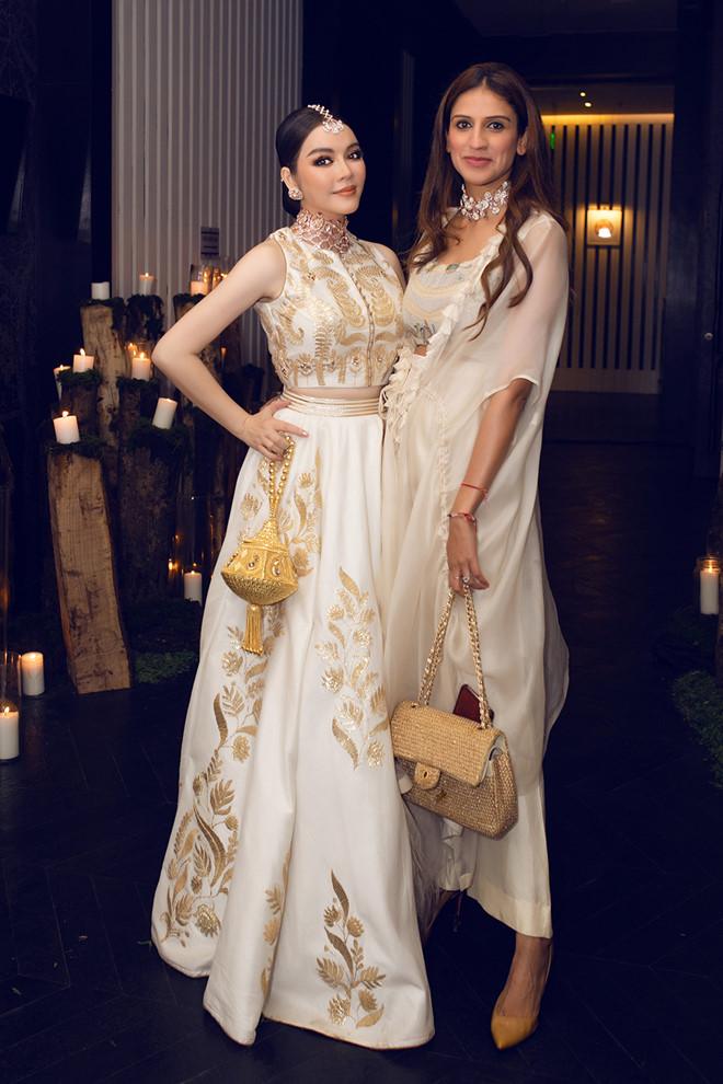 Tỉ phú Ấn Độ may váy dát vàng mời Lý Nhã Kỳ dự sinh nhật - Hình 4