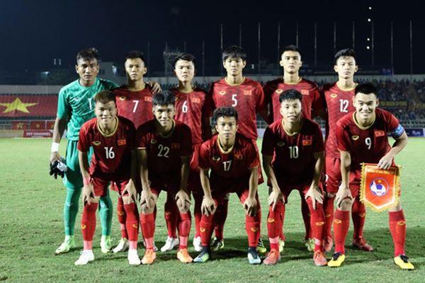 U18 Việt Nam xấu xí và may mắn cầm hòa đội bét bảng Thái Lan - Hình 1