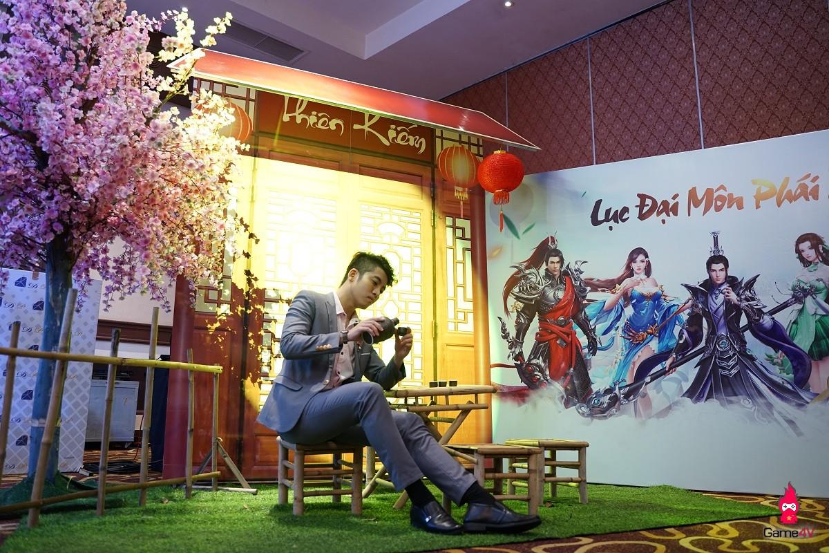 VIP như Thiên Kiếm: Ca sĩ Khánh Phương khuấy động không khí buổi offline đẳng cấp của các VIP - VVIP - Hình 2