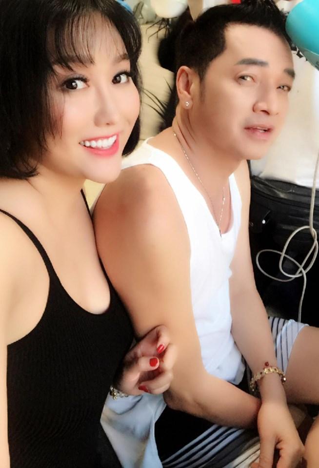 Vừa tiết lộ mối quan hệ 20 năm, Phi Thanh Vân tiếp tục khoe ảnh thân mật bên chồng cũ Hồng Đào - Hình 1