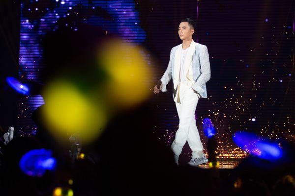1001 khoảnh khắc của Sơn Tùng M-TP tại Sky Tour 2019: Chàng trai ấy chưa từng khiến fan thất vọng khi trót lỡ thần tượng - Hình 6