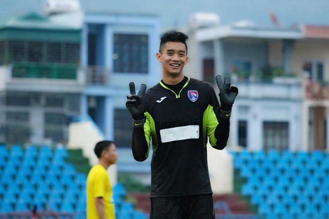 Bất ngờ thủ môn của U22 Việt Nam cao 1,93m hơn Đặng Văn Lâm 5cm - Hình 1
