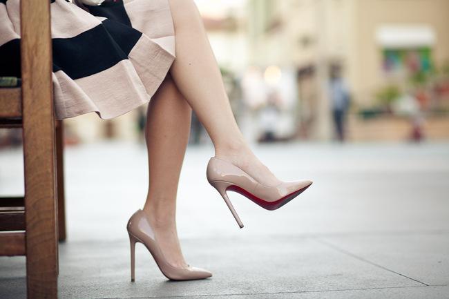 Bí quyết để các nàng mang giày cao gót thật tự tin - Hình 3