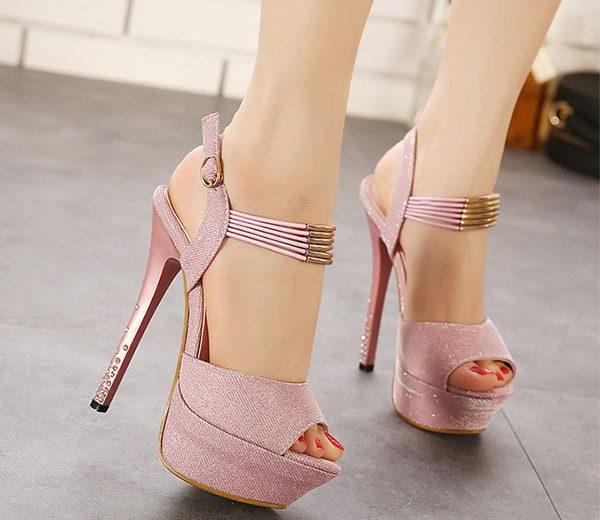 Bí quyết để các nàng mang giày cao gót thật tự tin - Hình 2
