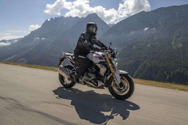 BMW R1250 R và R1250 RS 2019 có công nghệ mới, mượt mà hơn - Hình 1
