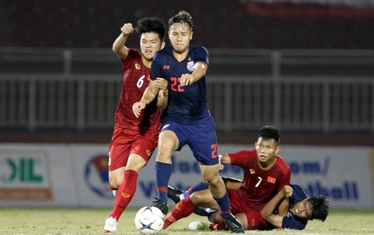 Chuyên gia chỉ ra điểm yếu của U18 Việt Nam sau trận hòa Thái Lan - Hình 1