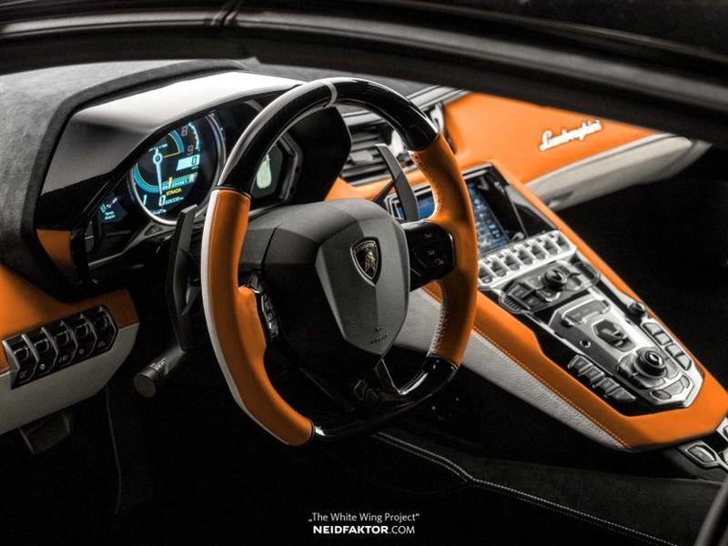 Để tùy chỉnh nội thất của chiếc Lamborghini Aventador, chủ xe phải tốn thêm gần 1 tỷ VNĐ - Hình 3