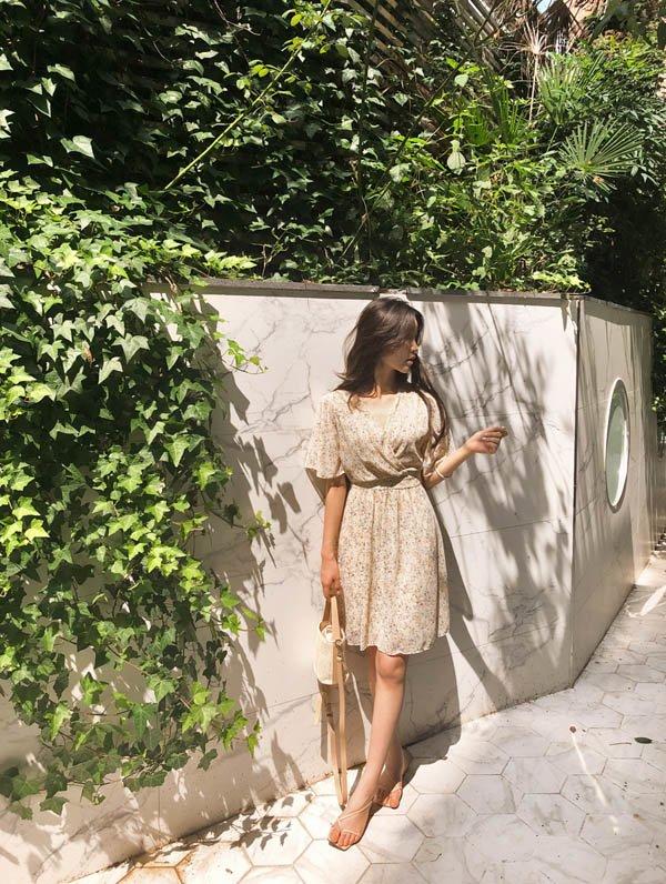 Diện váy liền đi làm, đây là những mẫu vừa hợp mốt lại rất thanh lịch chị em nên chọn - Hình 15