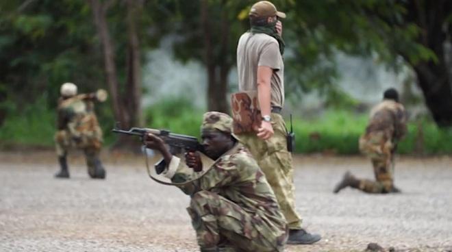 Đội quân bí mật của Nga đổ bộ vào quốc gia Trung Phi như thế nào? - Hình 3