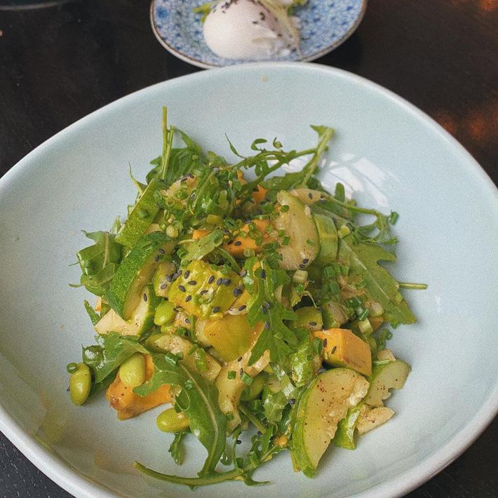 Hà Tăng ăn món nào cũng điểm thêm thứ rau này, tưởng chỉ cho đẹp nhưng hóa ra lại cực tốt cho việc giảm cân - Hình 4