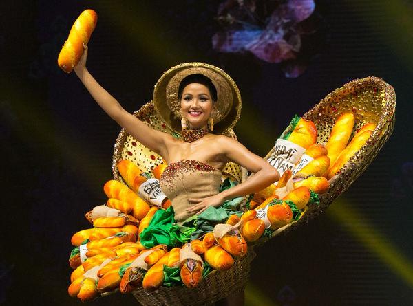 HHen Niê: 3 National Costume đều xứng đáng mang đến Miss Universe, riêng Hen muốn mặc Cò - Hình 1