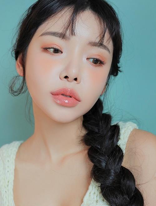 Khoe ảnh mặt mộc xinh đẹp, HyunA vẫn không xóa được tin đồn bơm môi - Hình 6