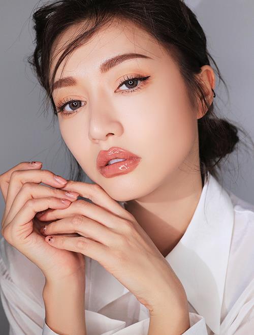 Khoe ảnh mặt mộc xinh đẹp, HyunA vẫn không xóa được tin đồn bơm môi - Hình 5