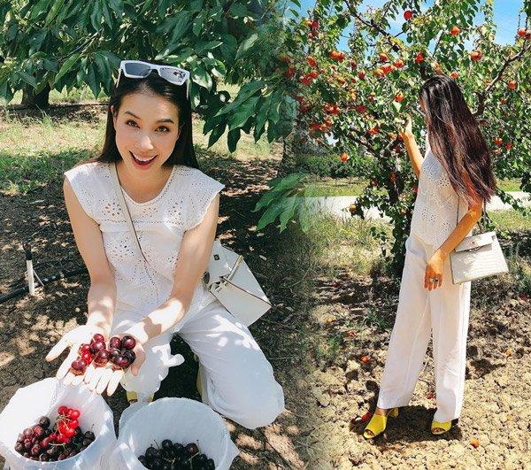Không còn váy áo đính kết lụa là, Phạm Hương đơn giản năng động với quần jean và áo sơmi - Hình 13