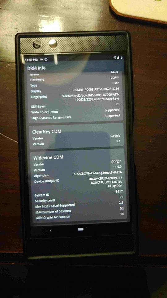 Nguyên mẫu Razer Phone 2 hỗ trợ hai SIM và bộ nhớ trong 512GB bất ngờ lộ diện - Hình 4