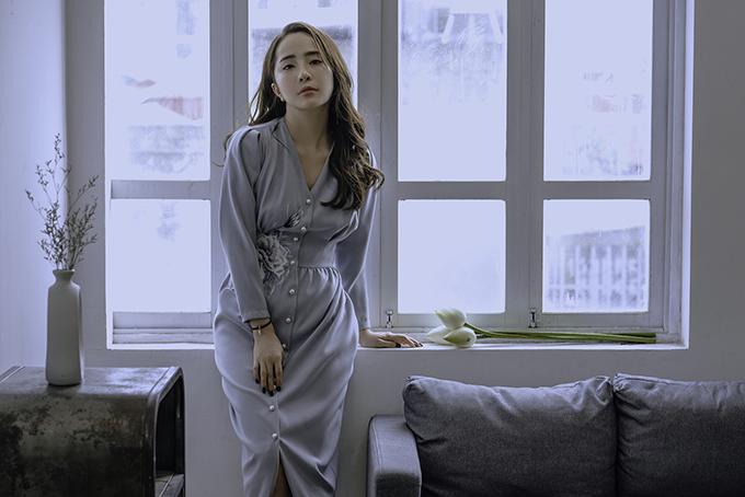 Nhã Về nhà đi con gợi ý váy áo cho nàng công sở - Hình 8