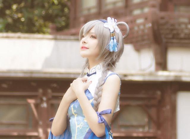 Nhũn người trước loạt ảnh cosplay hơi... thiếu vải phần dưới của cô nàng Luo Tianyi - Hình 6