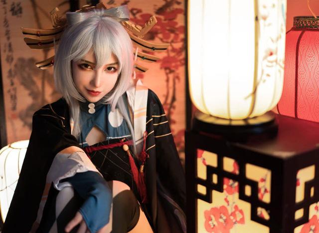 Nhũn người trước loạt ảnh cosplay hơi... thiếu vải phần dưới của cô nàng Luo Tianyi - Hình 8