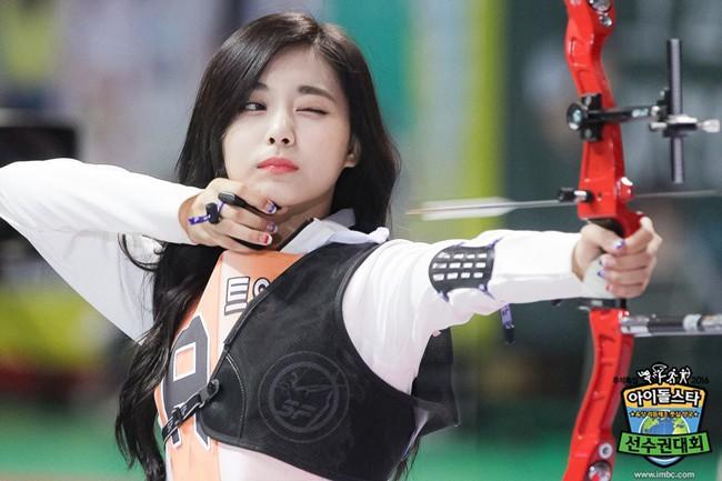 Những khoảnh khắc khoe sắc gây bão tại Đại hội thể thao idol: Người vụt sáng sau 1 đêm, kẻ bị ném đá vì xuống sắc - Hình 7