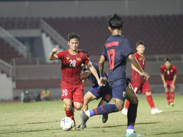 Những khoảnh khắc U18 Việt Nam bất lực trước U18 Thái Lan đã bị loại - Hình 8
