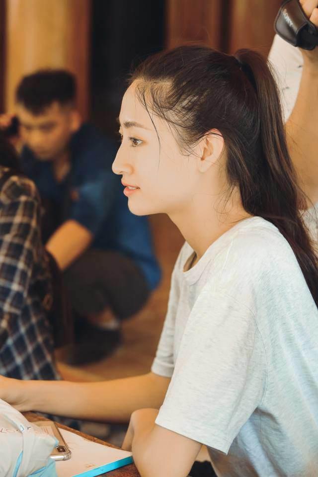 Soi trang phục từ thiện của Top 3 Miss World và Phương Khánh: khi đúng mực là một nghệ thuật! - Hình 5