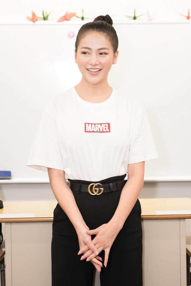 Soi trang phục từ thiện của Top 3 Miss World và Phương Khánh: khi đúng mực là một nghệ thuật! - Hình 9