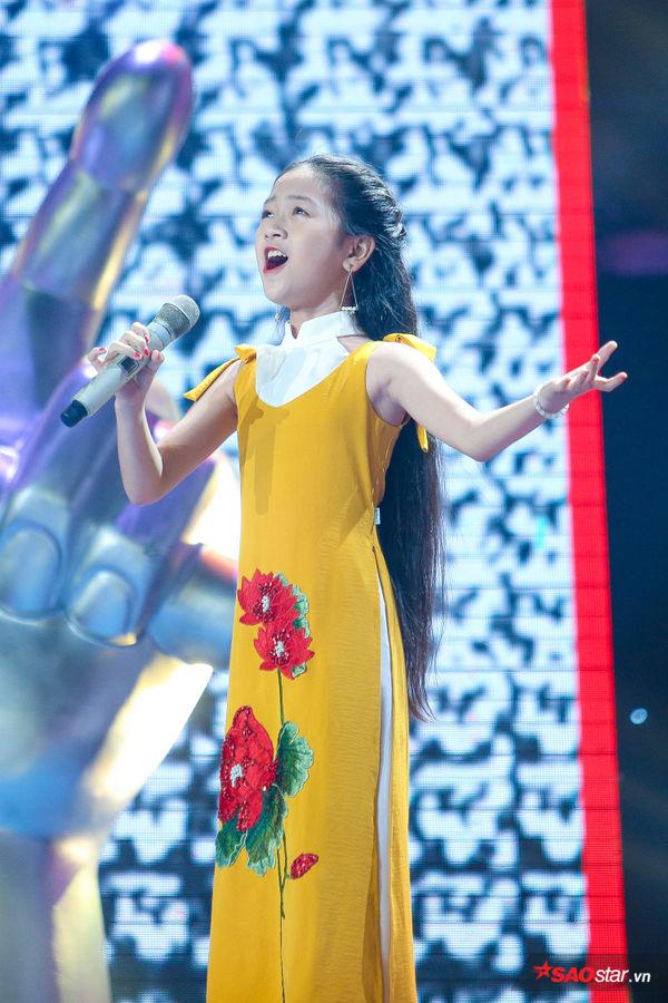 Phần thi Giấu mặt của Kiều Minh Tâm cán mốc triệu view: Nhân tố sáng giá của The Voice Kids 2019 - Hình 1