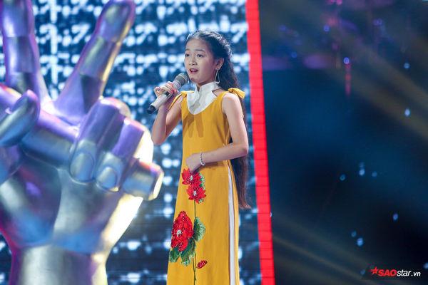 Phần thi Giấu mặt của Kiều Minh Tâm cán mốc triệu view: Nhân tố sáng giá của The Voice Kids 2019 - Hình 2
