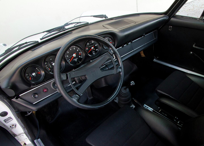 Porsche 911 cổ siêu hiếm được đấu giá hàng tỷ đồng - Hình 7