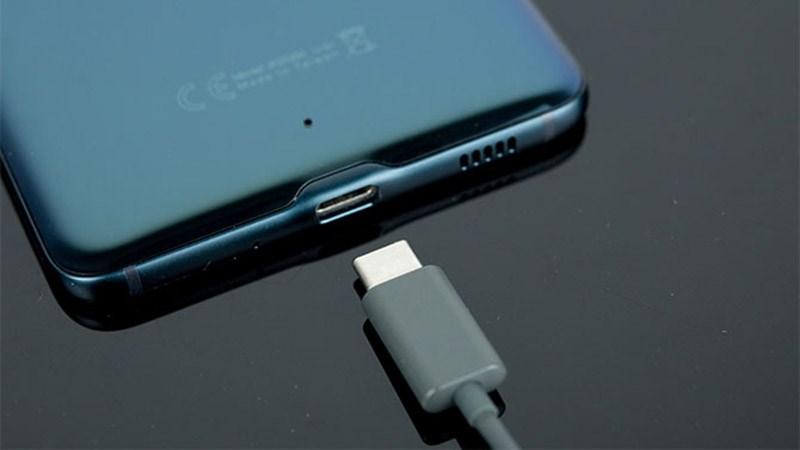 Samsung loại bỏ cổng cắm 3.5 mm trên Note 10: Dấu chấm hết cho một huyền thoại? - Hình 1