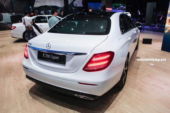 Tầm giá hơn 2 tỷ, chọn Mercedes-Benz E200 Sport hay BMW 520i - Hình 3