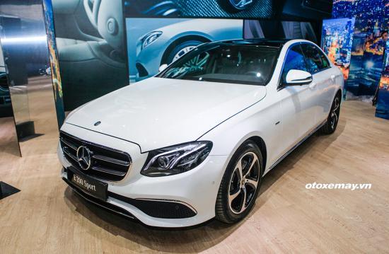 Tầm giá hơn 2 tỷ, chọn Mercedes-Benz E200 Sport hay BMW 520i - Hình 2