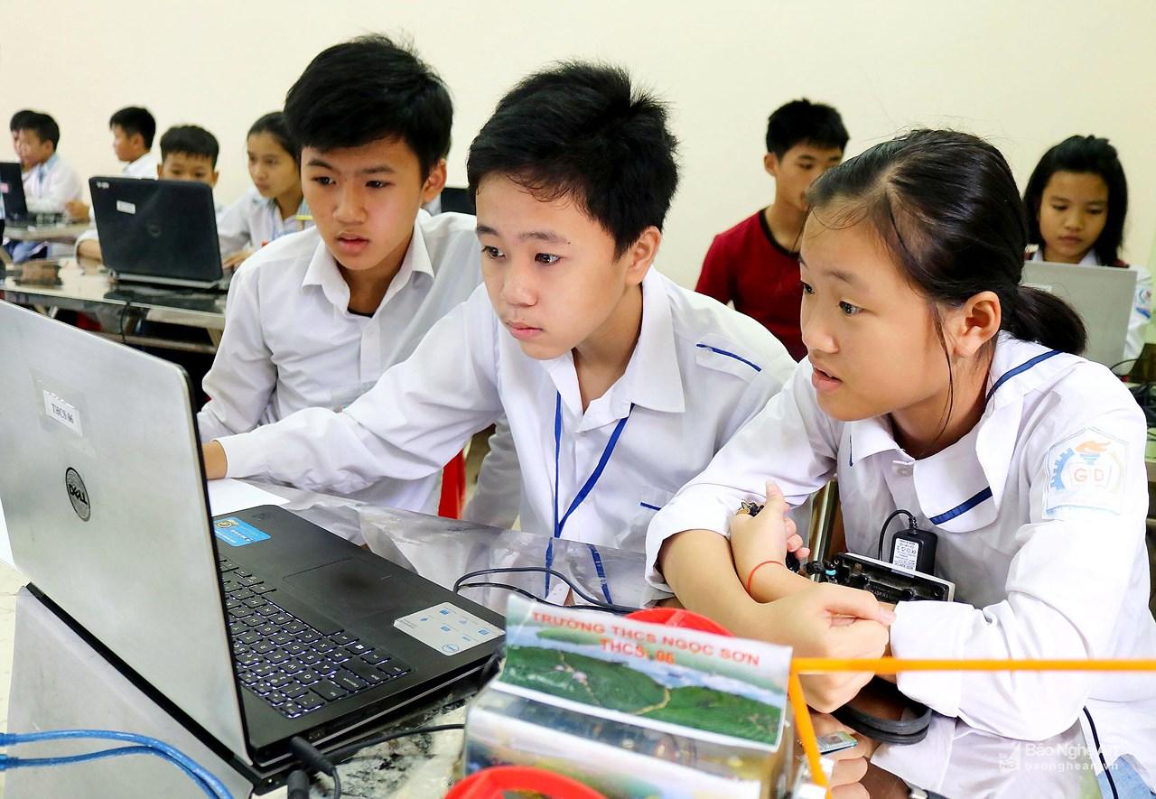 Bố trí, sắp xếp lại đội ngũ giáo viên ở huyện Thanh Chương: Ổn định lâu dài và nâng cao chất lượng giáo dục - Hình 1