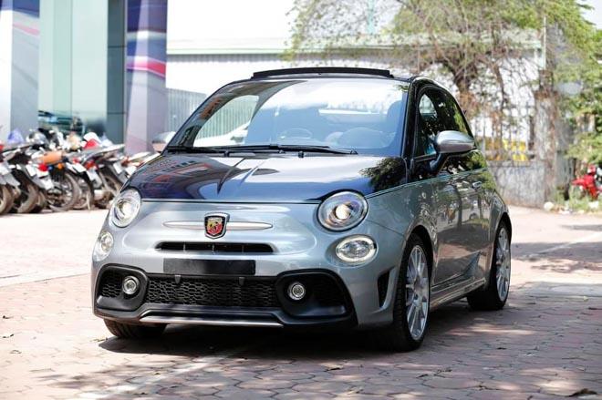 Xe cỡ nhỏ do Ý sản xuất có giá gần 3 tỷ đồng tại Việt Nam - Hình 1