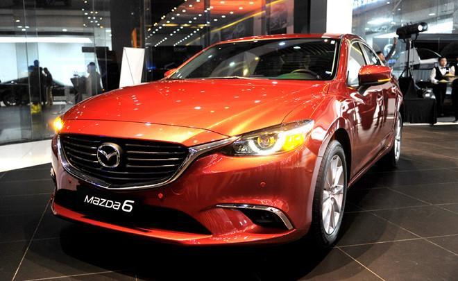 Toyota Camry, Mazda 6 đồng loạt giảm giá 20 triệu đồng - Hình 2
