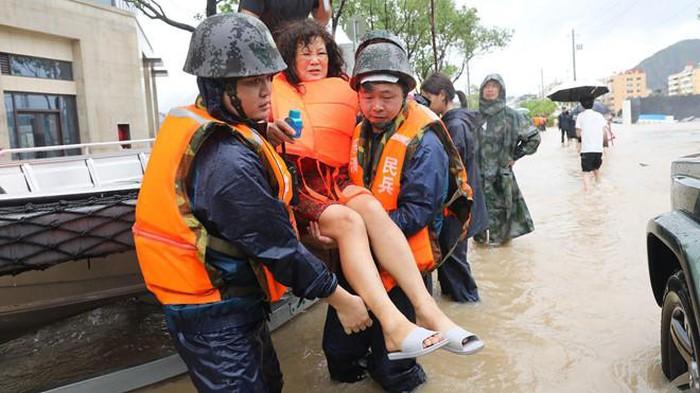 Trang mạng TQ gây sốc với tin cả tỉnh thiệt mạng do bão Lekima - Hình 1