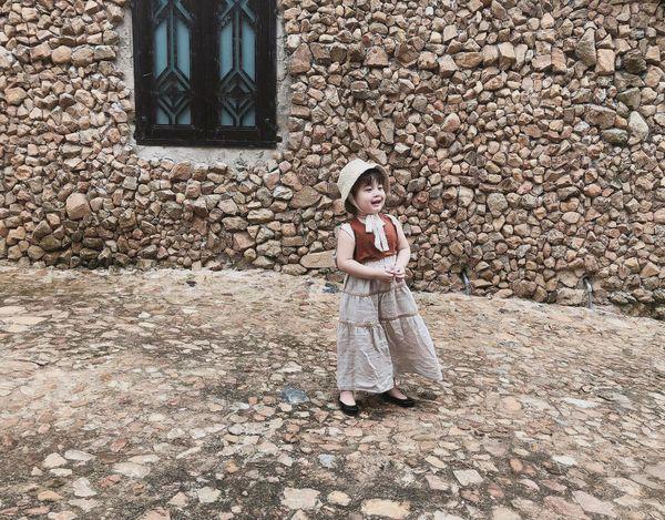 Bé gái 3 tuổi rưỡi tạo dáng check in Đà Lạt siêu dễ thương, khiến dân tình kháo nhau Đẻ con gái đi! - Hình 4