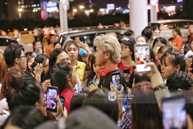 Giữa liên hoàn phốt, Jack cùng K-ICM rời Việt Nam sang Hàn công tác, choáng khung cảnh fan vây kín sân bay tiễn idol - Hình 2