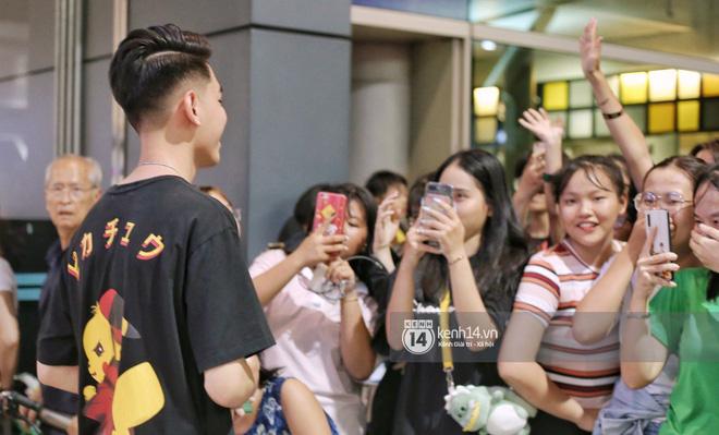 Giữa liên hoàn phốt, Jack cùng K-ICM rời Việt Nam sang Hàn công tác, choáng khung cảnh fan vây kín sân bay tiễn idol - Hình 10