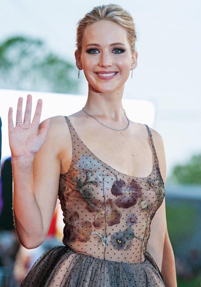 Jennifer Lawrence tuổi 29 - nhan sắc quyến rũ, sự nghiệp rực rỡ - Hình 7